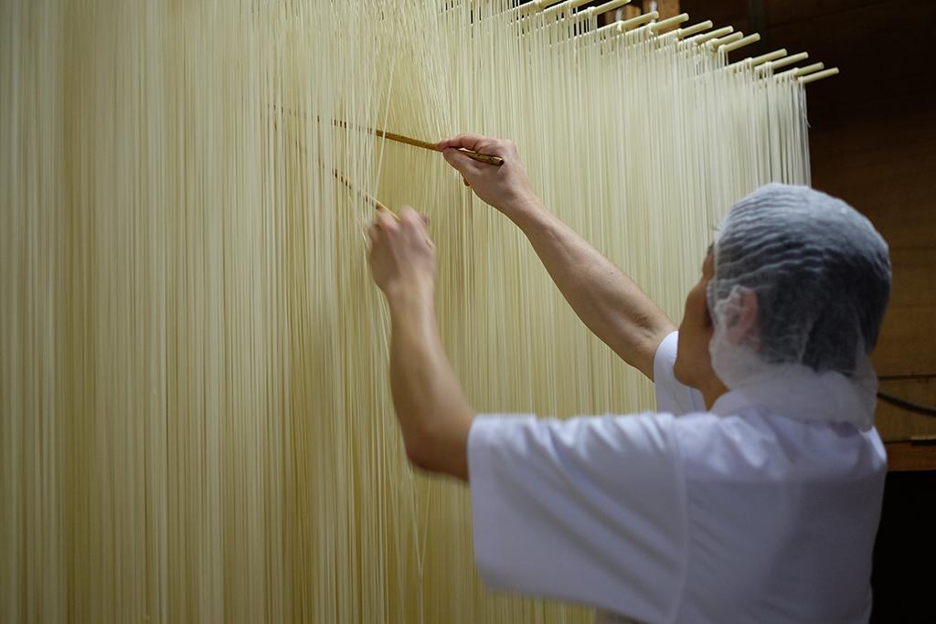 平野製麺所 製麺の様子