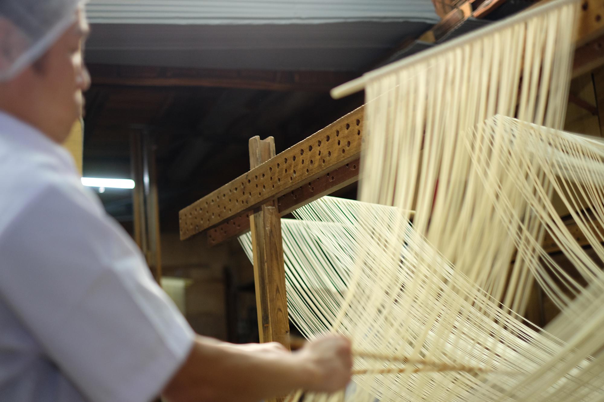 淡路島に残る、すべて自社工房による古式伝統の手づくり素麺